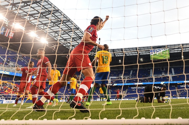 ct-hoy-davies-double-as-canada-down-french-guiana-at-gold-cup-20170707